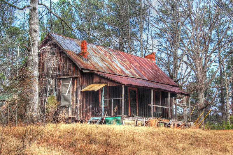 This abandoned home is located in Paulding County.